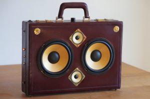 Enceinte-portable-vintage-de-thierrycreations-Baccara-1.jpg