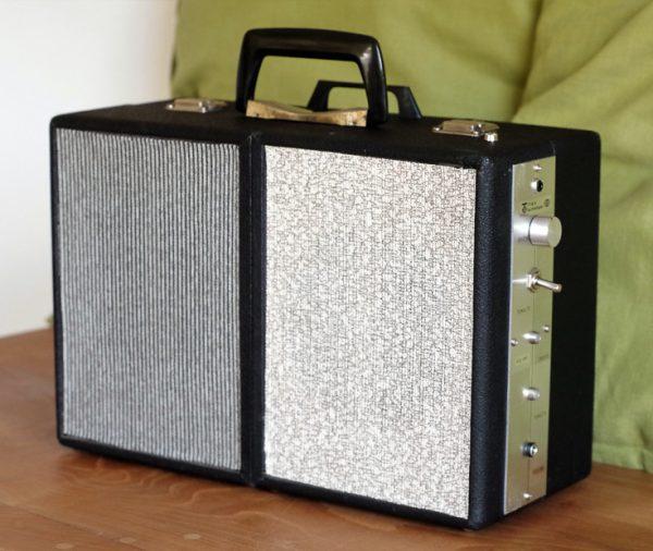 Enceinte-portable-vintage-de-thierrycreations-Domino-1.jpg