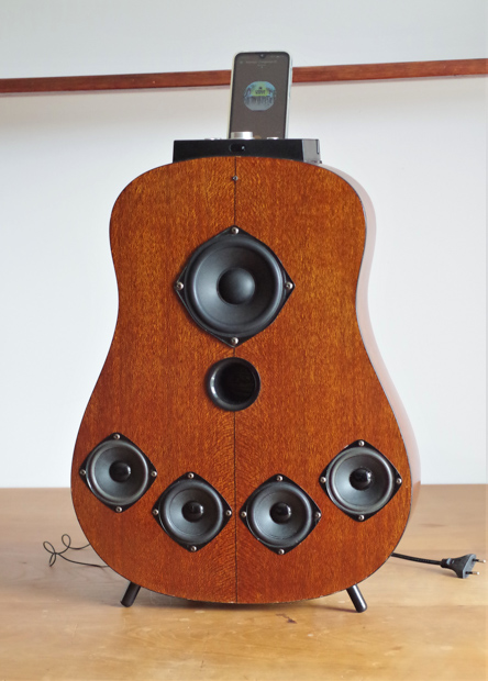 Enceinte-portable-vintage-de-thierrycreations-Gibson-1-1.jpg