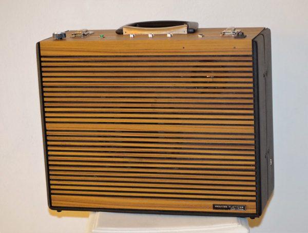 Enceinte-portable-vintage-de-thierrycreations-Platine-1.jpg
