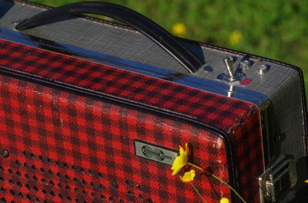Enceinte-portable-vintage-de-thierrycreations-Sex-Pistols-3.jpg