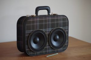 Enceinte-portable-vintage-de-thierrycreations-Tweed-1-1.jpg